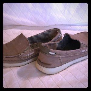 Crocs slide on